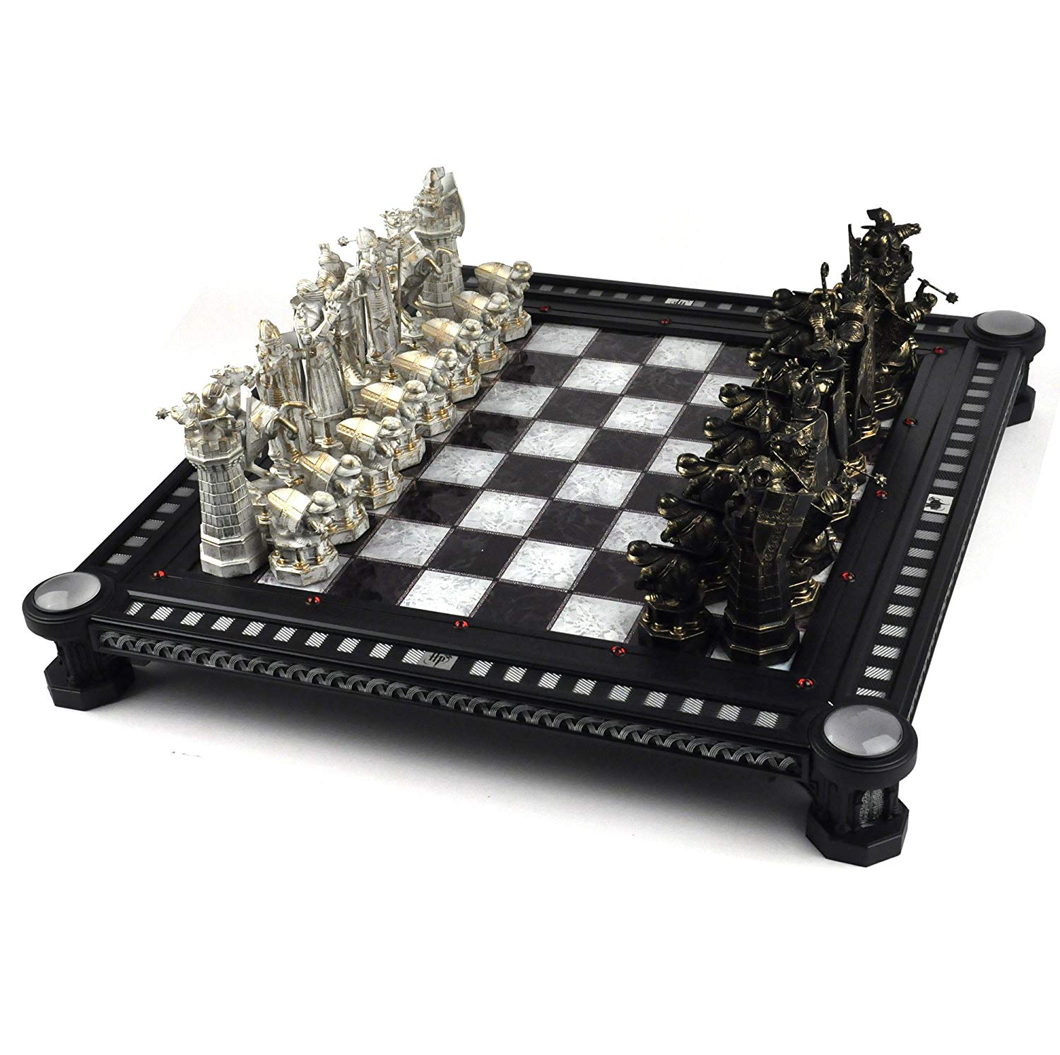 CHESS SETS & BOARD GAMES